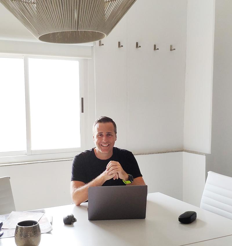 Mike Grama diseñador Web